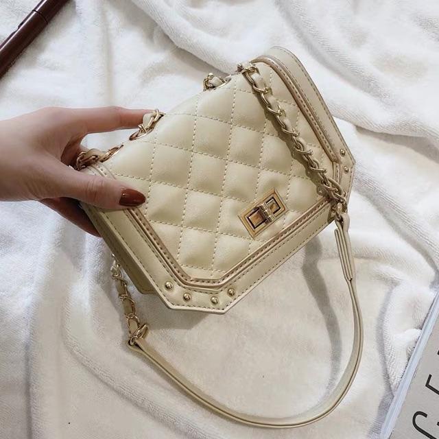 Fashion girl rhombic chain bag female casual shoulder small bag 时尚少女菱格链条包女新款潮网红休闲百搭单肩斜挎小包包