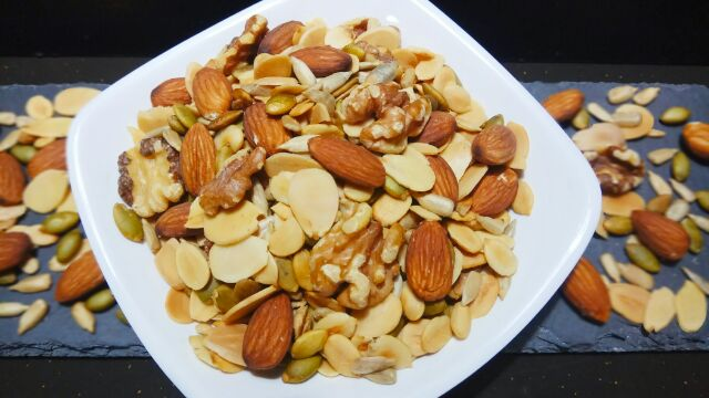 Healthy Roasted Mixed Nuts & Seeds