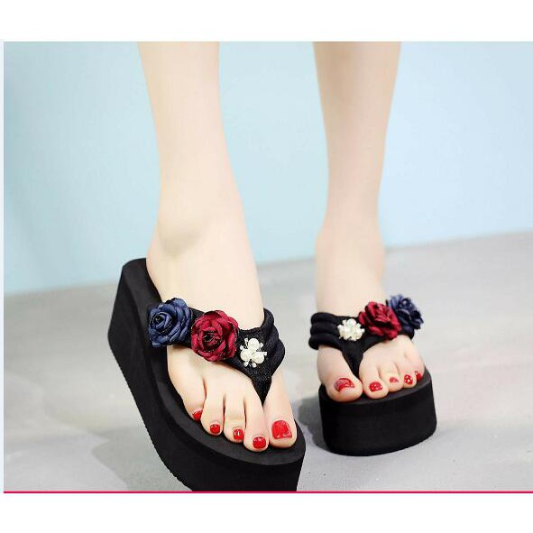 d7c386ea5 Hello Kitty KT slippers women thick non-slip high-heeled fashion sandals  and slippers wear slope with home