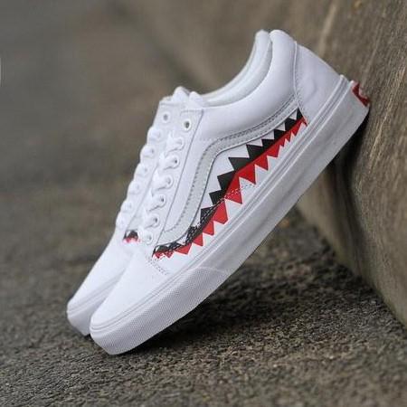 4fd3cad87ab4a9 Vans x Bape 17SS White Shark Mouths Tooth Old Skool shoes men women 36-44