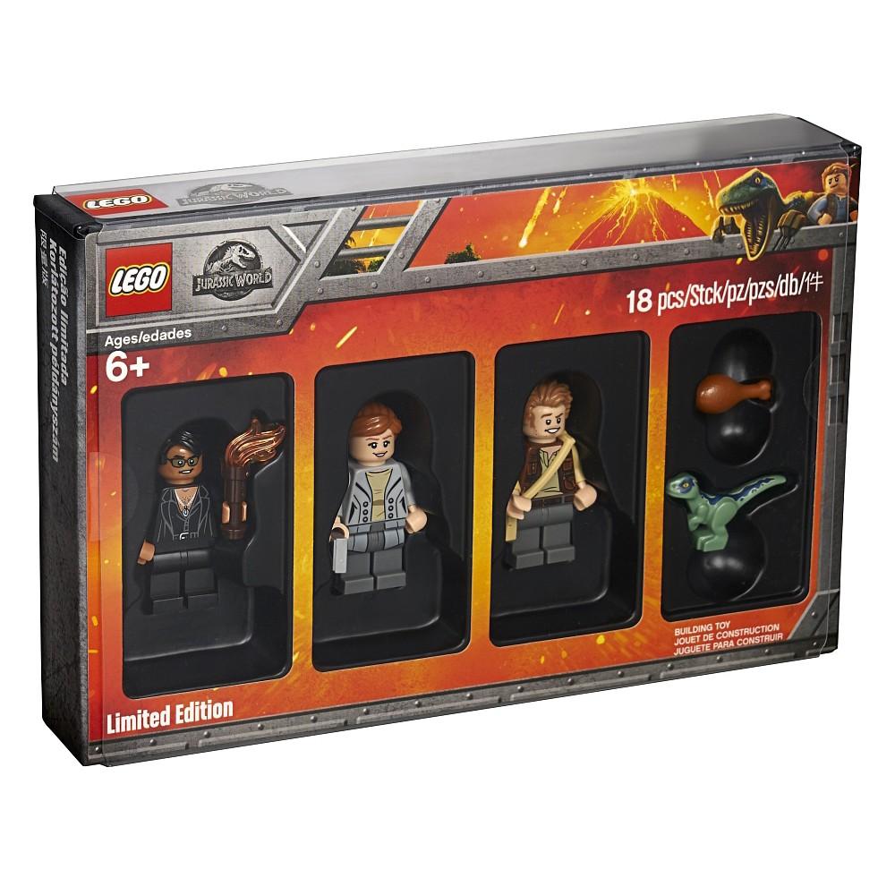LEGO Bricktober LEGO Batman Money Suit Toys R Us 2017 Exclusive 5004939
