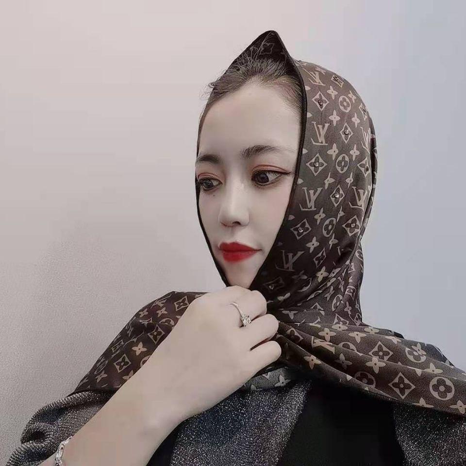 Simple image muslim girl Cute DPs