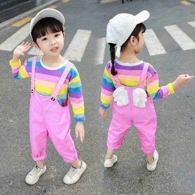 ชุดเอี๊ยมเด็กสีชมพู พร้อมเสื้อส