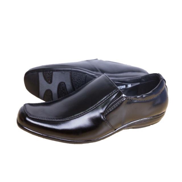 รองเท้าหนังหุ้มส้น งานดี ทรงสวย