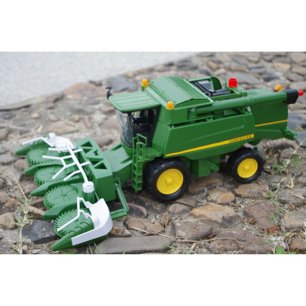 1:48 Corn combine harvester tractor model