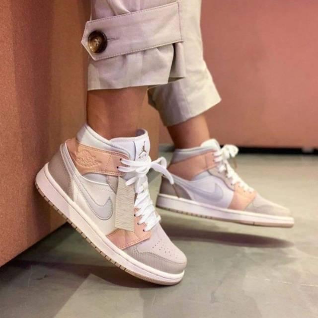 Para exponer Sinceridad escarcha  Nike Air Jordan 1 Mid Milan Women's Shoes | Shopee Malaysia
