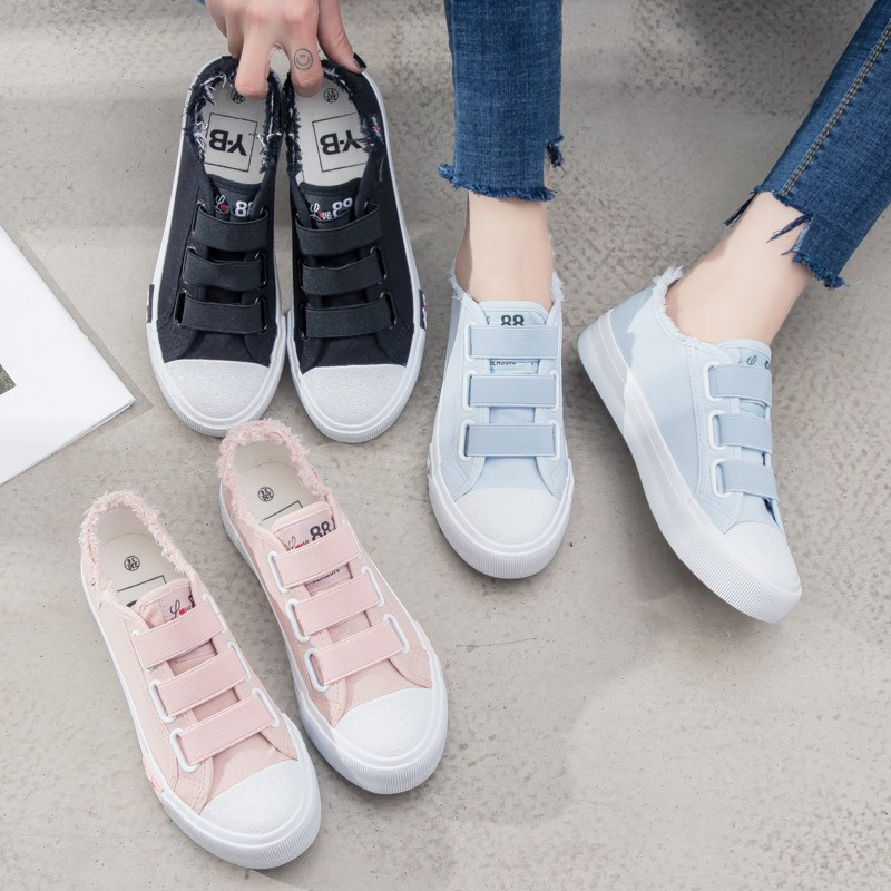 bf36563de86 Puma Phenom Lux x Selena Gomez Sneakers Hypebeast Sneakers Puma Sneakers