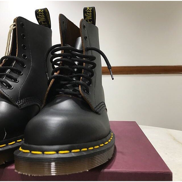 534594cb587 [Original] DR MARTENS AIRWAIR (Made In England) - Vintage 1460 Black Quilon