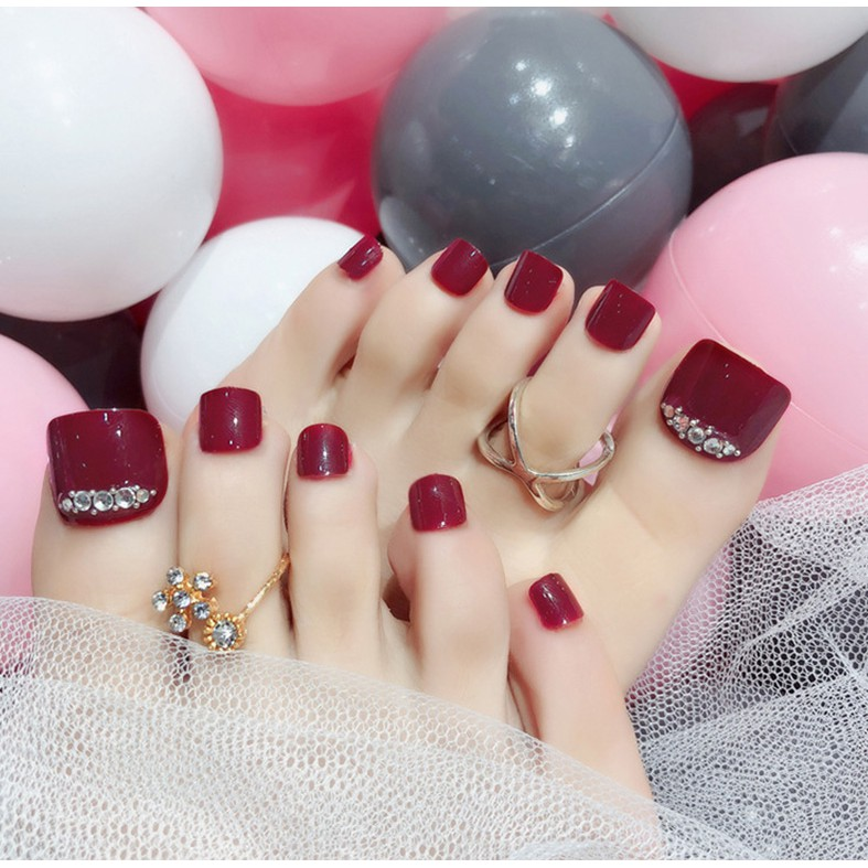 Instock 24pcsset Wine Red Toes False Nails Rhinestone Decoration Foot Fake Nails With Glue Nail Beauty