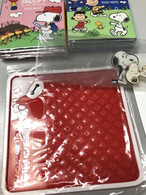 4pcs//set Cute Snoopy Woodstock Charlie Brown Brooch Pin Hat Backpack Lapel Badge