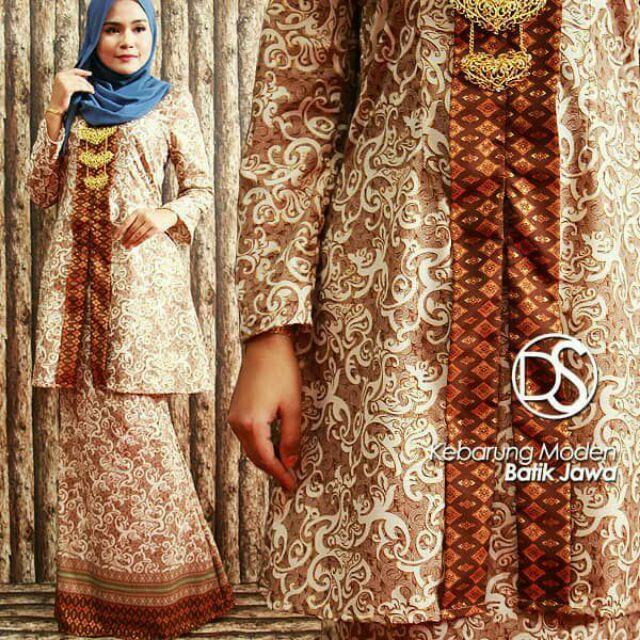 Kebaya Labuh Batik Jawa