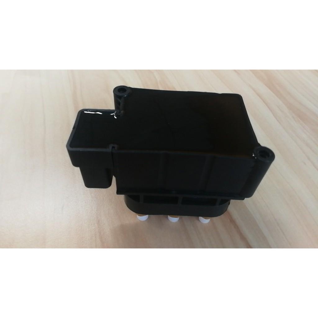 Air Suspension Valve Block fits Volkswagen Touareg 7L /7P 7L0698014