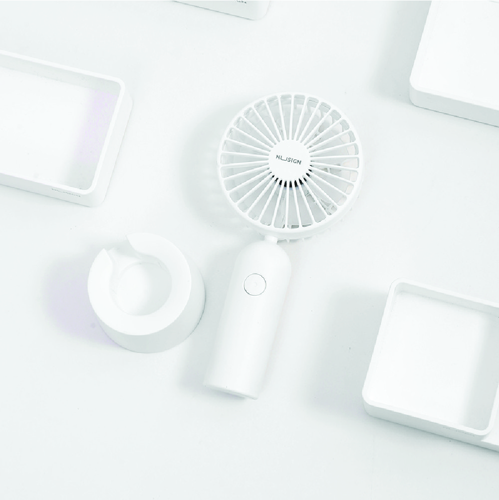Jadi Nusign 3-Speed USB Rechargeable Table Fan in Pure White